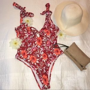 Hibiscus 🌺one piece bathing suit🌺